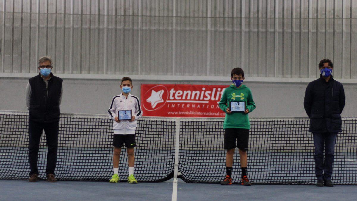 César de Vena, campeón autonómico en categoría alevín de tenis