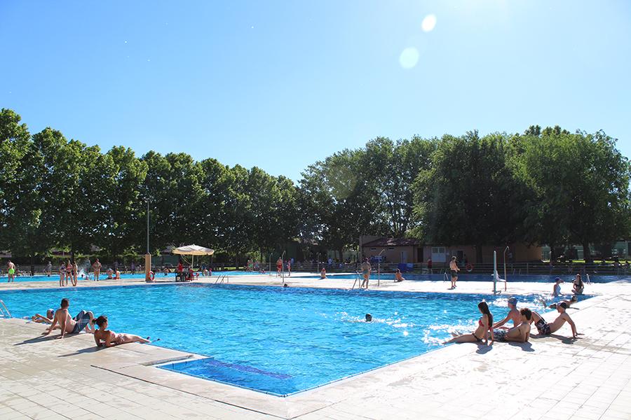 Laguna suprimirá a partir de mañana la reserva de acceso a las piscinas municipales