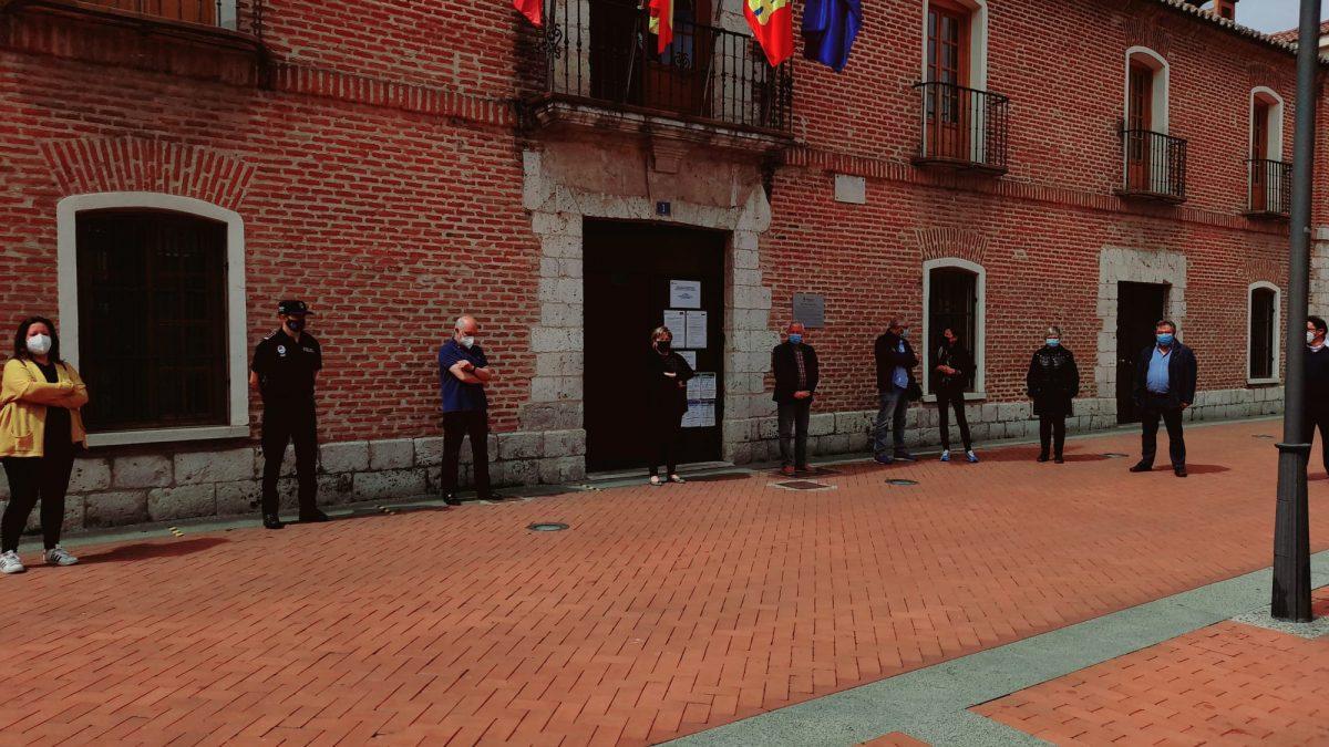 Laguna se suma al minuto de silencio por el último crimen machista en Valladolid