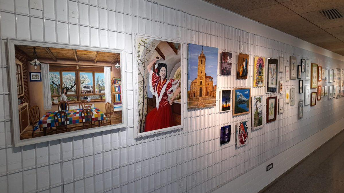 El alumnado del Aula de Cultura de Dibujo, Pintura e Ilustración exponen sus obras en la Casa de las Artes