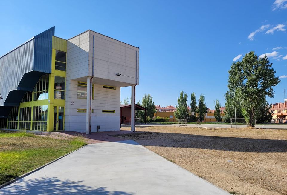 El IES María Moliner aspira a suprimir el turno de tarde gracias a la instalación de aulas prefabricadas