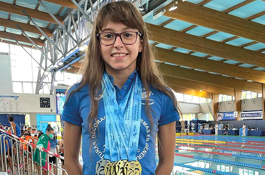 """Nayara Pineda López, la """"sirena de oro"""" del Club Natación Torrelago Wellness"""
